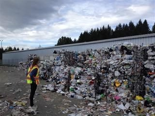 Focus on the Waste: Developing an Earth Experience Culture in Digital