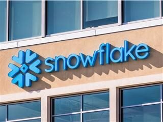 What Snowflake's IPO Signals for Cloud Customer Data Management