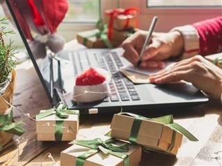 10 Must-Have Holiday Shopping Tips for Retailers